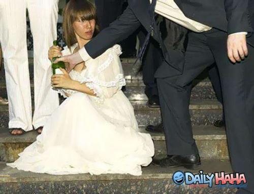 Comment éviter la cellule de dégrisement le soir de son mariage ?