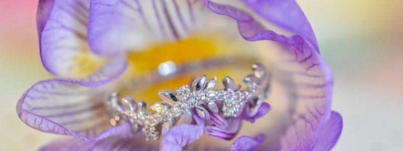 Un bijou de mariage presque sur-mesure et pas hors de prix ? Oui c'est possible…