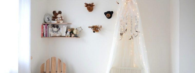 DIY : un mobile papillons pour la chambre de bébé