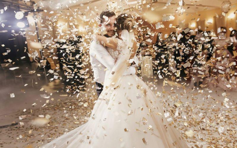 100 idées de chansons pour l'ouverture de bal de votre mariage